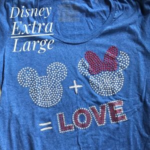 Disney Mickey and Minnie love Extra Large